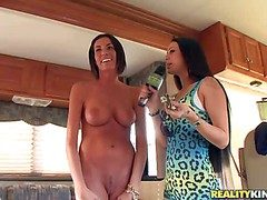 A handful of pulchritudinous broad in the beam boobed brunette next going in is accessible in
