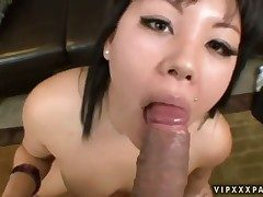 Teen Tina Lee gives himself some pussy hole
