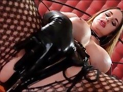 Kinky Cathy Heaven masturbates in spandex gloves